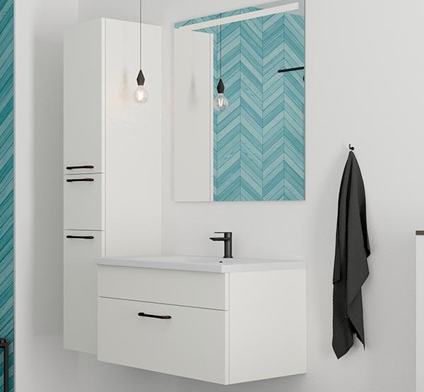 Hvide nye badmøbler